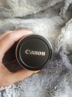 Canon 28-90 mm lens. GENTLY USED! for Sale in Clovis, CA