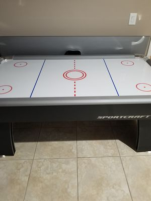Air hockey table for Sale in Lake Wales, FL