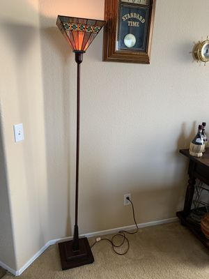 Very Nice Floor Lamp Stained Glass for Sale in Hesperia, CA