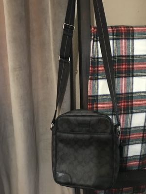 Authentic coach men's messenger bag for Sale in McFarland, CA