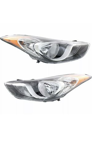 2011 2012 2013 Hyundai Elantra headlight. New!! for Sale in Parkland, FL