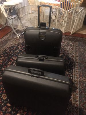 Samsonite luggage hard cover for Sale in Pittsburg, CA