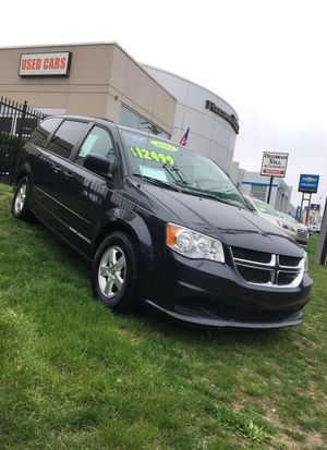 2012 DODGE GRAND CARAVAN SXT! NICE!! EVERYONE IS APPROVED! CALL TRENT NOW! $2675752029@ for Sale in Langhorne, PA