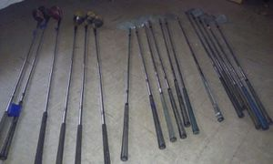 To sets of golf clubs left hand and right handed for Sale in Bronx, NY