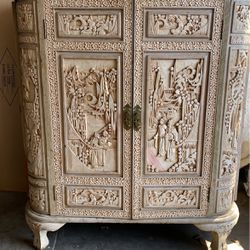 Antique Asian Hand Carved Wood Bar Liquor Cabinet. for Sale in Woodside,  CA