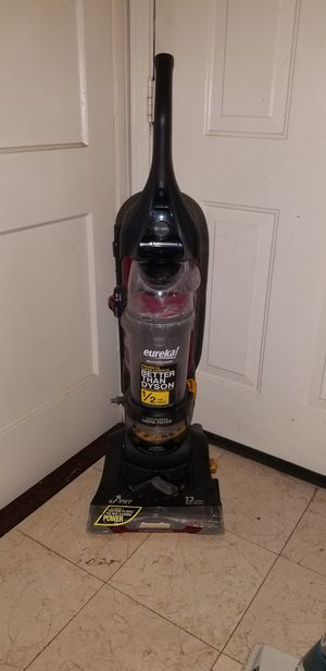 Eureka vacuum for Sale in Forest Heights, MD