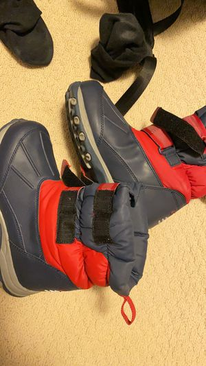 Women's / Girls Snow boots (5.5) and ski pants for Sale in Falls Church, VA