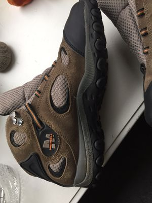 Merrill hiking boots, like new sz 6 for Sale in Silver Spring, MD