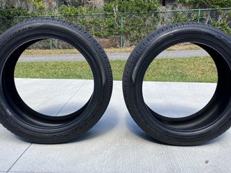 285/45R22 size Goodyear touring for Sale in Clermont,  FL