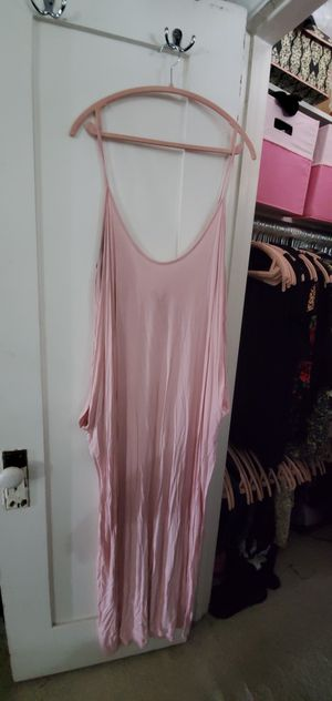 Light pink maxi dress with pockets plus size 2x - 3x for Sale in Buena Park, CA