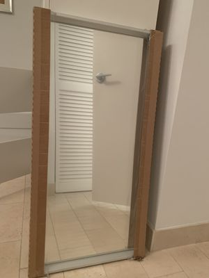 Mirror wall mount new for Sale in Miami, FL