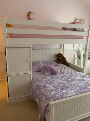 American Signature full and twin bunk beds for Sale in Atlanta, GA