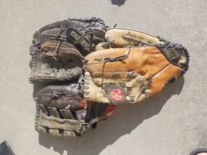 Baseball gloves for Sale in Manteca, CA