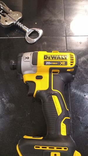 Dewalt 20 vmax xr for Sale in Cleveland, OH