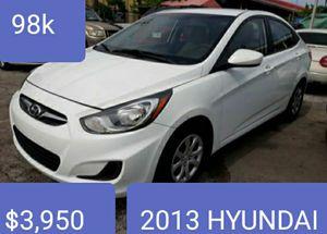 2013 hyundai accent for Sale in Miami, FL