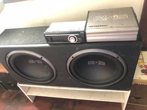 12 in subwoofers in brand new box, with matching amp for Sale in Fredonia, KS