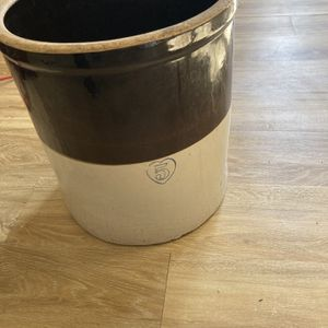 Antique 5 Gallon Crock for Sale in Strykersville, NY