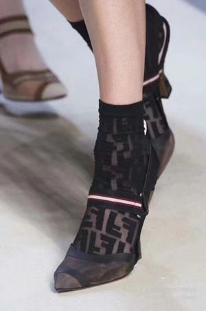 Fendi slingbacks lower heel for Sale in San Francisco, CA