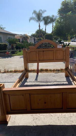 Full size bed frame for Sale in Pico Rivera, CA
