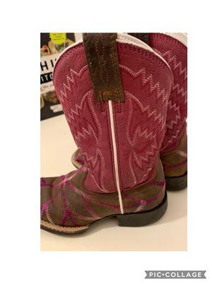 Girls Ariat boots size 9 for Sale in Houston, TX