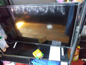 TCL ROKU TV 32in for Sale in Queens, NY