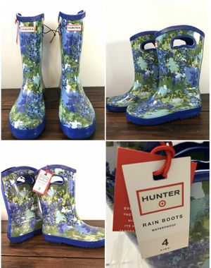 Brand New with Tag Hunter for Target Kid Tall Rain Boots in Patterned Blue Sz 3,4 &5 for Sale in West Covina, CA