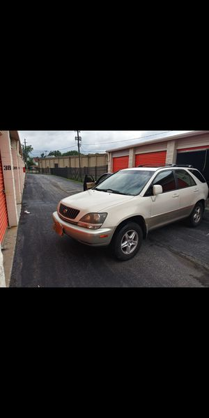 2000 Lexus rx300 awd $1650 obo for Sale in Cleveland, OH