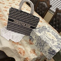 Christian Dior Book Tote for Sale in Las Vegas,  NV