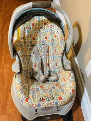 Graco Infant Car Seat with the base**In Excellent Condition** for Sale in Fremont, CA