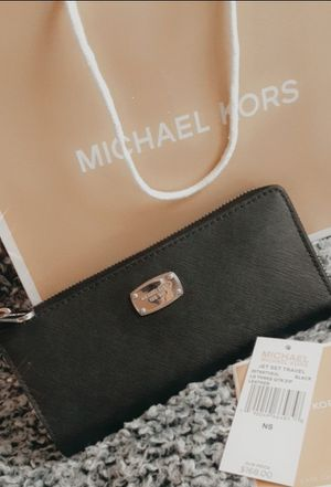 MK WALLET for Sale in Frisco, TX