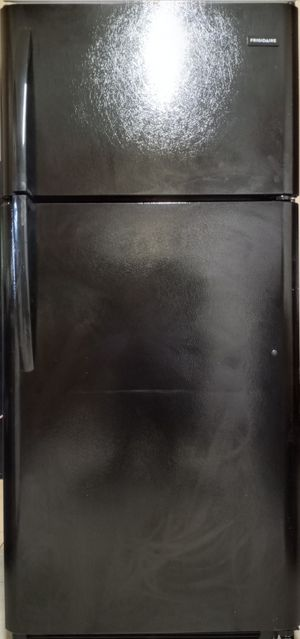 Frigidaire refrigerator like new for Sale in Dunnellon, FL