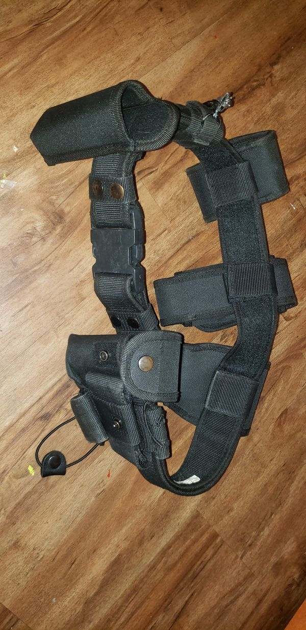 BELT SECURITY/LAW ENFORCEMENT WITH S&W HANDCUFFS