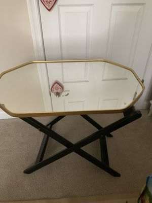 Chic gold end table for Sale in Odenton, MD