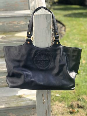 Authentic Tory Burch Leather Tote Bag Black for Sale in Malden, MA