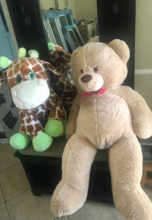 Big teddy bear and giraffe stuffed animals for Sale in Lawndale, CA