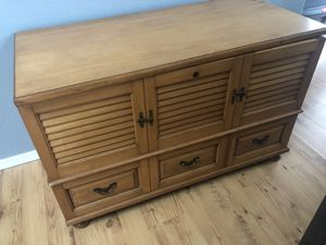 Lane chest for Sale in Dayton, OR