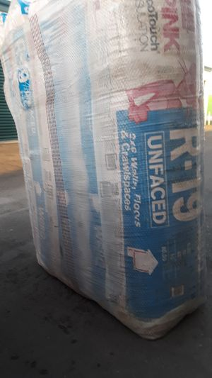 Insulation for ceiling and walls 2x6 R19x15 cover 80 square feet each bag the price is for each for Sale in Corona, CA