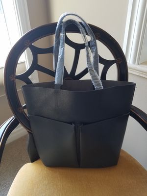 LARGE BRAND NEW BAG for Sale in Kirkland, WA