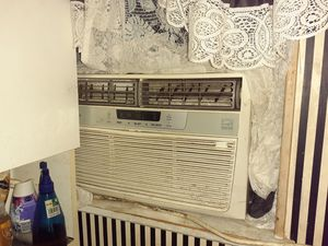Air conditioner for Sale in Pine Bluff, AR