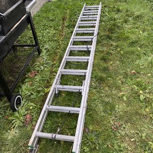 24 ft Ladder for Sale in Shelton, WA