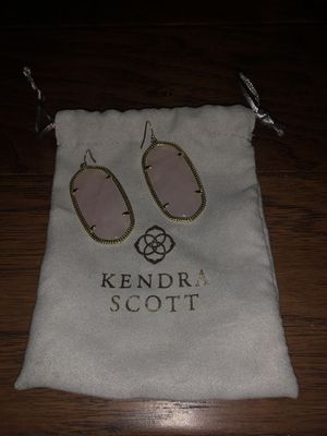 Rose Quartz Kendra Scott for Sale in Azle, TX