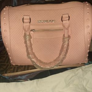 Michael Kors Pink HANDBAG for Sale in Rochester, NY