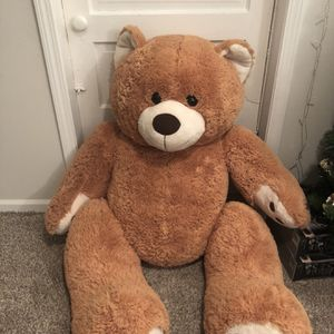 5ft Tall Teddy Bear for Sale in Chicago, IL