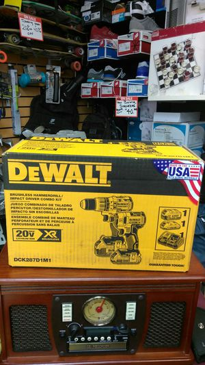 Dewalt DCK287D1M1 for Sale in Miami, FL