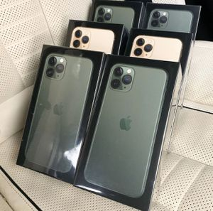 IPHONE 11 PRO MAX 256GB for Sale in FAIR OAKS, TX