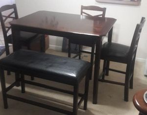 Dinning room table for Sale in Fort Lauderdale, FL