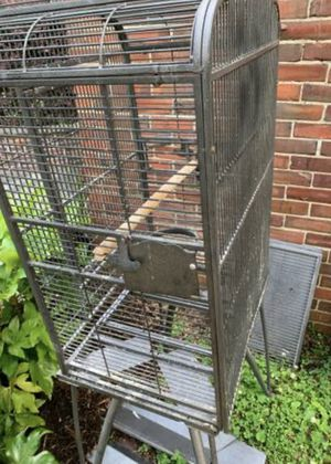 Bird Cage-Offers Welcome for Sale in Durham, NC