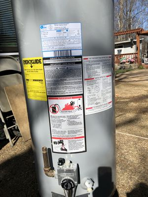 Water heater good condition 50 gals good brand for Sale in Woodbridge, VA