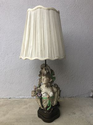"""French Provincial Antique """"Lady"""" Lamp for Sale in La Verne, CA"""