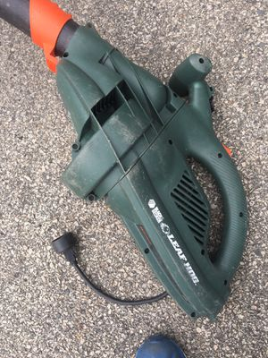 Black n decker leaf blower electric for Sale in Randolph, MA